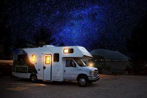 Wohnmobil beim Camping