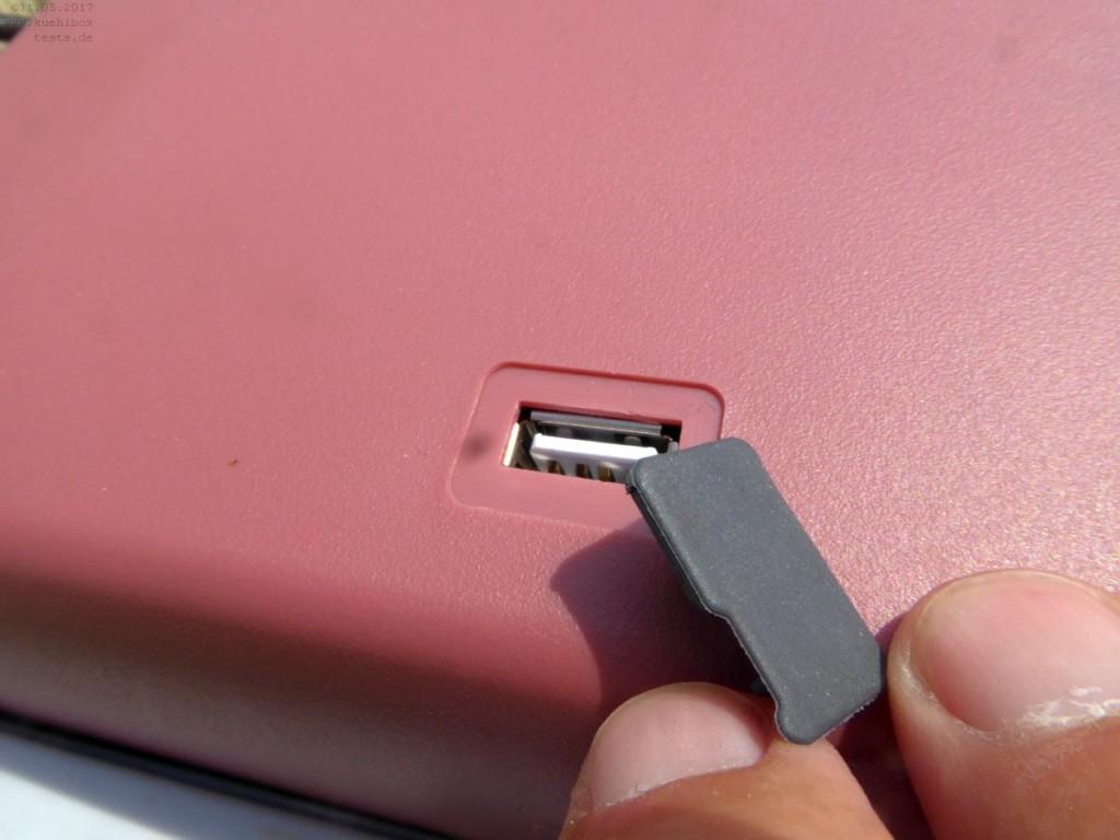 USB-Buchse zum Laden auf dem Deckel